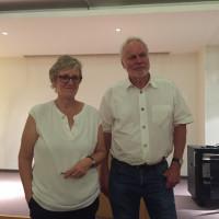 Stellten die Aufgaben des Bezirkstags in der Fachklinik Ghersburg in Bad Aibling interessierten Bürgern vor: SPD Bezirksrätin Elisabeth Jordan und Bezirkstagskandidat Werner Gartner